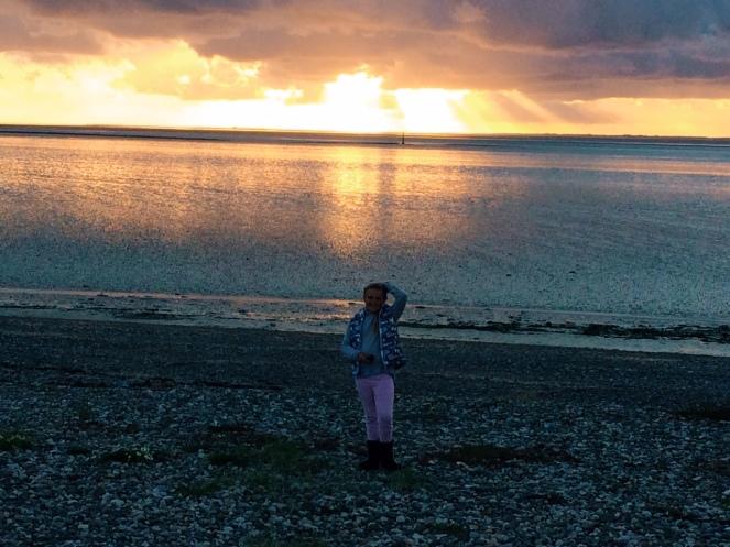 seaside_sunset_girl