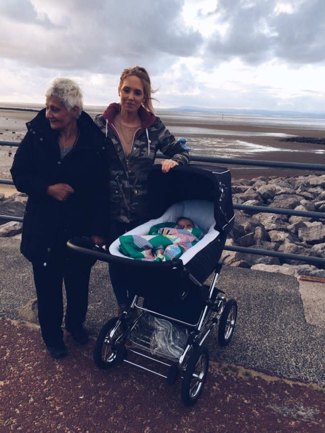 seaside_mother_baby